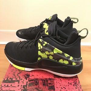 finest selection 1da1e b53c0 Nike Shoes - Nike Lebron Zoom Witness Basketball Shoes Limited