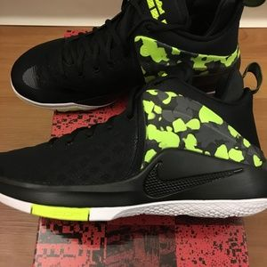 finest selection 367d4 ee195 Nike Shoes - Nike Lebron Zoom Witness Basketball Shoes Limited