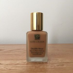Estee Lauder double wear foundation in 4n2