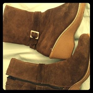 Brown suede boots size 11
