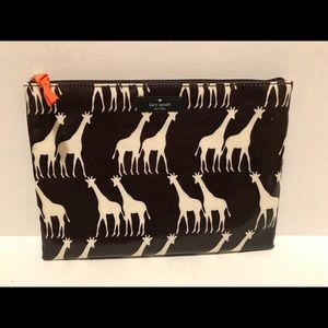 NWT Kate Spade Large Pouch Daycation Giraffe