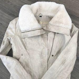 Guess women jacket. Size M