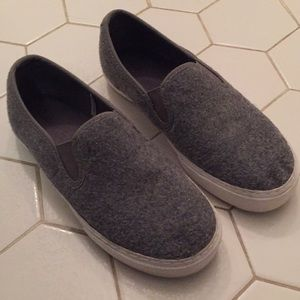 GAP slip on grey fleece shoes