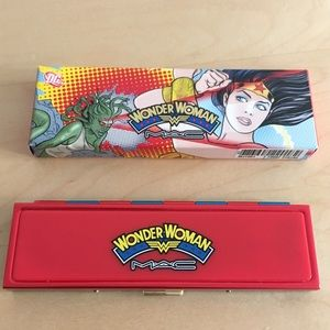 MAC Wonder Woman Lady Justice Quad - LE