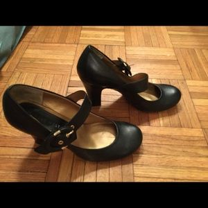 Nine West real leather heels very cute