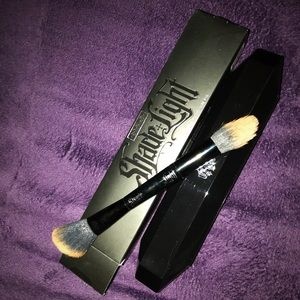 Kat Von D Authentic Make up brush Shade & Light