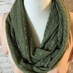 Olive Eternity Neckscarf