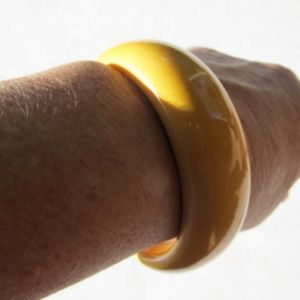 1950s Lemon Yellow Chunky BAKELITE Bangle