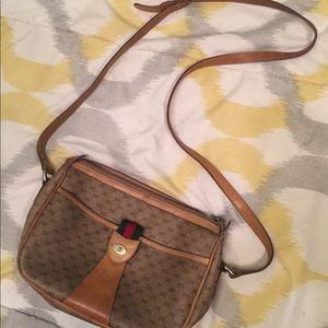 Vintage AUTHENTIC Gucci shoulder purse