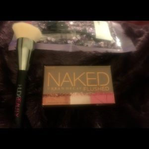 Urban Decay Flushed Palette in Native, new unused