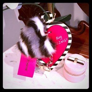 🎁 Gift Idea! Trendy Fuzzy Bag Charm/ Keychain🎁