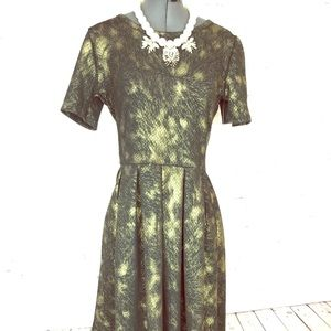 BNWT✨LIMITED Gold foil & black Amelia Dress pocket
