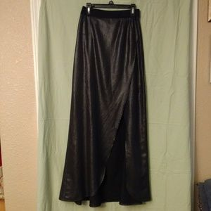 Black shiny Express skirt