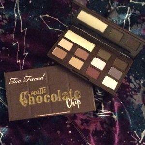 Chocolate chip palette 🍫