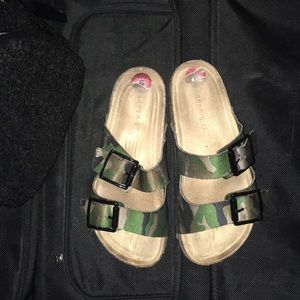 Madden Girl  Camo Sandals