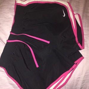 Medium NIKE DRI-FIT running shorts