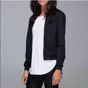 Lululemon black reversible bomber jacket size 4