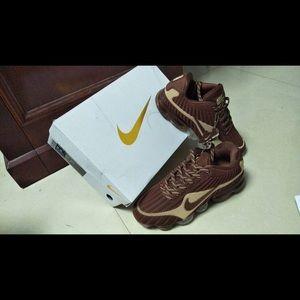 Nike Shoes - NWOT BrAND NEW NIKE AIR VAPORMAX