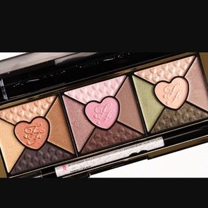 Brand New! Too Faced *Love* eyeshadow pallet