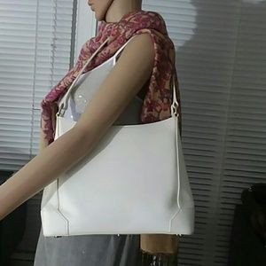 Authentic Burberry White Leather Hobo Shoulder Bag