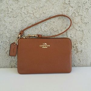NWT Retail Coach leather wristlet