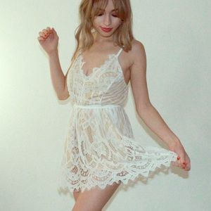 Dresses & Skirts - Sexy Lace Romper Dress M