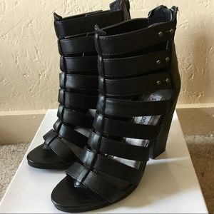 Steve Madden black strappy chunky heels