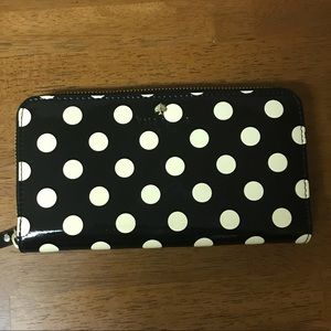 ♠️ Kate Spade ♠️ cream and black wallet