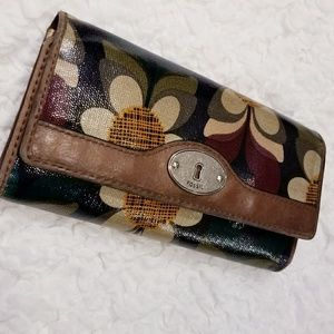 Fossil Key Per Coated Snap Tri-Fold Wallet Clutch