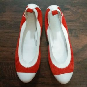 Channel Red & White Flats