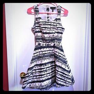 Jessica Simpson Aztec Dress Sz 5/6