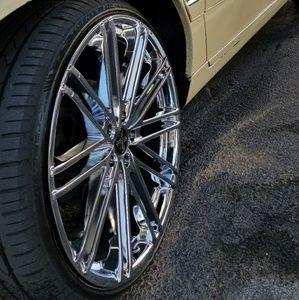 22 inch chrome rims with lexani tires