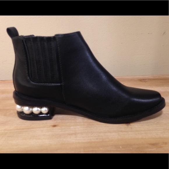 Catherine Malandrino Pearlen Short Black Bootie Pearl Embellished Heels 7.5 M