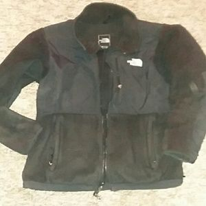 the northface size med woman's Denali fleece