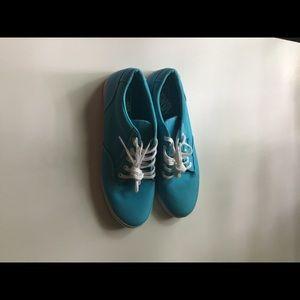 NEW Vans women's teal sneakers size 10