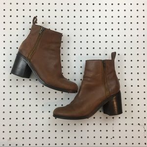 Gap brown leather ankle boots- women's 10