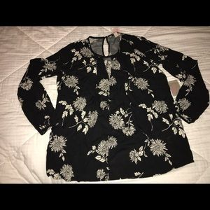 CLASSY woven floral top
