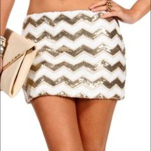 Gold/white sequin mini skirt from Windsor SZ small