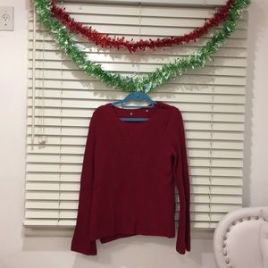 light sweater , maroon- red