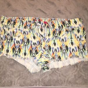 Colorful Dollhouse Shorts Size 13