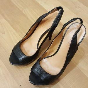 L.A.M.B. black leather 4.75in Black sandal