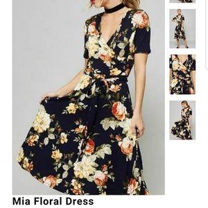 Dresses & Skirts - Mia floral wrap dress