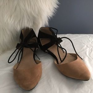 Black and Tan Lace Up Flats! Restricted! Sz 6!