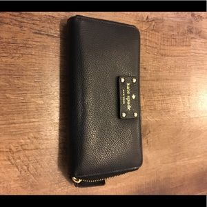 EUC Kate Spade Leather Zip Around Wallet