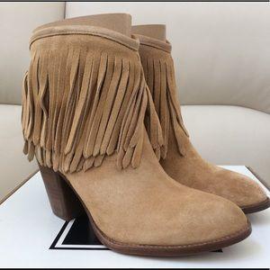 FRYE ILANA FRINGE SHORT boots