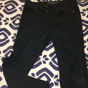 American eagle distressed black tomgirl jeans