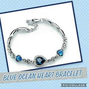 Elegant Blue Heart Bangle Bracelet