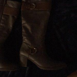 Heeled mid calf boots