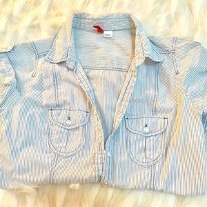 White and Light Blue Short Sleeved Button Up