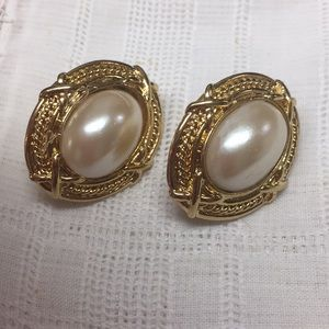 Vintage Simulated Pearl Gold Tone Clip Earrings